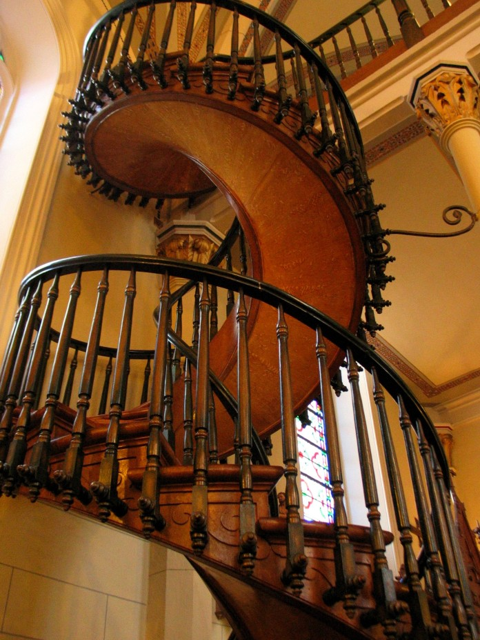 Loretto-Chapels-spiral-staircase