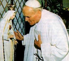 St. Yohanes Paulus II berterimakasih atas perlindungan Bunda Maria dari Fatima